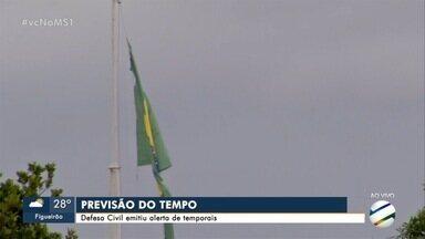 Corumbá sofre há quatro dias com fumaça de incêndio no Pantanal - Defesa Civil emitiu alerta para ventos fortes em Mato Grosso do Sul