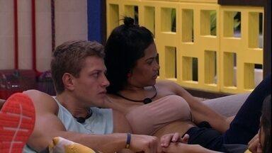 Lucas para Flayslane e Mari: 'Vocês me colocam em situação ruim lá fora' - Brother questiona sisters