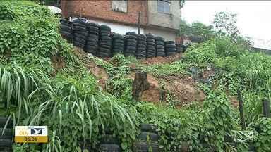 Moradores reclamam de residências em área de risco em São Luís - Quase metade do volume médio de chuva que era previsto para o mês todo, segundo o Núcleo de Meteorologia da Uema.