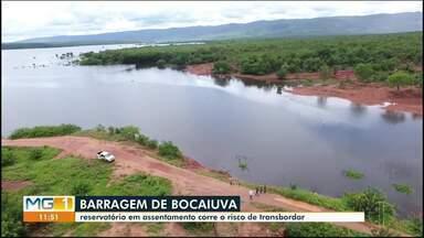 Reservatório em assentamento corre risco de transbordar em Bocaiuva - O nível do Rio Jequitaí subiu tanto que algumas propriedades no assentamento P.A Betinho, o maior de Minas já estão alagadas.
