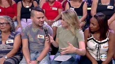 Na plateia, Yuri mostra que sabe tudo sobre televisão - Ele participa de um quiz e prova que vê tudo o que passa na telinha da Globo