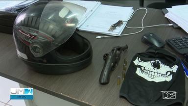Polícia busca prender bandidos que invadiram casa e mantiveram família refém em Santa Inês - Oito pessoas almoçavam quando dois homens entraram na casa e anunciaram o assalto.