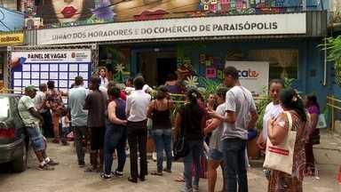 SP2 - Edição de sexta-feira, 31/01/2020 - Centenas enfrentam fila por emprego em Paraisópolis, na Zona Sul da capital. Índice de desenvolvimento da educação estadual registra queda no Ensino Médio primeira vez em 6 anos. Sobe para 7 número de casos suspeitos do coronavírus no estado.