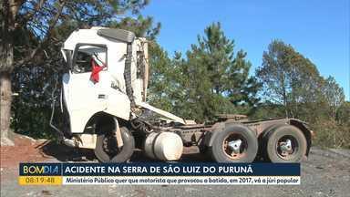Ministério Público quer que motorista que provocou acidente, em 2017, vá a júri popular - A batida matou seis pessoas na serra de São Luiz do Purunã.