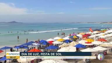 Confira imagens da Praia do Forte em Cabo Frio, no RJ - Assista a seguir.