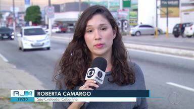Motociclista italiano morre com corte no pescoço causado por linha chilena em Cabo Frio - Uso da linha chilena é proibida no Rio de Janeiro.