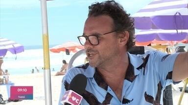 Tecnologia une banhistas e barraqueiros para facilitar o comércio na praia - Carlos Eduardo Ernany teve a ideia de criar o aplicativo, que já tem 30 barracas cadastradas na orla do Rio de Janeiro
