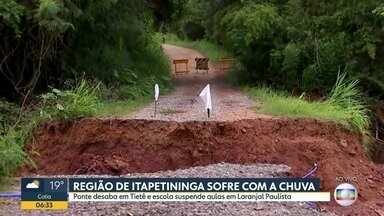 Chuva derruba ponte em Tietê, no interior do estado - Outras cidades da região de Itapetininga também sofreram com os temporais. As aulas foram suspensas em uma escola de Laranjal Paulista.