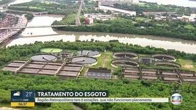 Deficiência nas estações de tratamento faz com que a Baía de Guanabara receba esgoto puro - Levantamento feito pelo Clube de Engenharia aponta que 54 rios de esgoto desembocam na Baía de Guanabara, isso porque as seis estações de tratamento funcionam com capacidade abaixo da esperada.