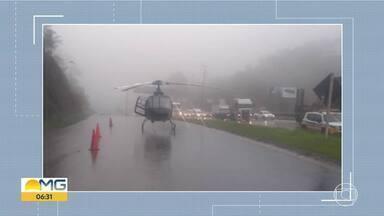 Helicóptero faz pouso de emergência na saída do Anel Rodoviário, em Belo Horizonte - Chuva obrigou a aeronave a pousar em uma das alças da rodovia.