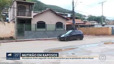 Moradores de Raposos tiram segunda via de documentos que se perderam com a chuva - Mutirão da Polícia Civil está acontecendo hoje na cidade.
