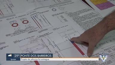 Projeto de reforma da Ponte dos Barreiros é entregue - A Prefeitura de São Vicente recebeu o projeto da empresa que fez estudo sobre a reforma.