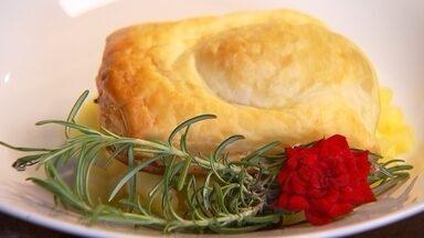 Receita Nosso Campo: aprenda a fazer batata-doce folhada em camas de maçã - Receita fica com aparência sofisticada e é bem saborosa.