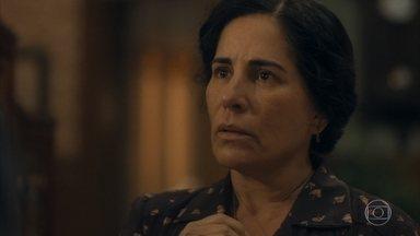 Gusmões comunica que Carlos foi alvejado nos protestos - Lola chora e decide ir até o hospital atrás do filho