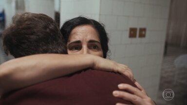 Lola encontra Alfredo no hospital - Isabel manda recado para Felício por Marcelo