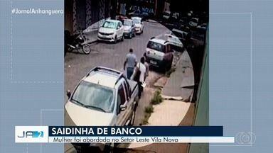 Idosa é assaltada durante saída de banco em Goiânia - Ela tinha acabado de sacar aposentadoria.