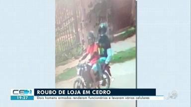 Bandidos roubam celulares de loja em Cedro - Confira mais notícias em g1.globo.com/ce