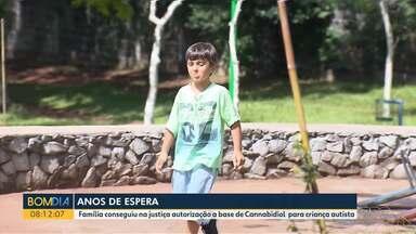 Família conseguiu na justiça autorização a base de Cannabidiol para criança autista - Depois de perder a ação contra o SUS, a família decidiu entrar com uma ação contra o plano de saúde.