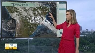 Confira a previsão do tempo para esta quarta-feira (12) - Dia será chuvoso em praticamente em todo estado. Temperaturas estão em torno de 23 graus.