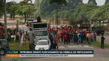 Petrobras começa a demitir funcionários de fábrica de fertilizantes de Araucária - Hibernação da unidade foi anunciada em 14 de janeiro e 396 funcionários devem ser desligados até abril.