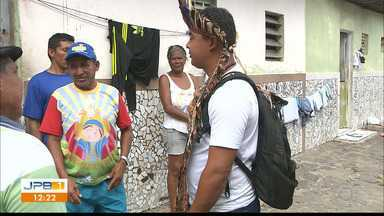 Representantes da Funai e Prefeitura de João Pessoa visitam venezuelanos - Equipes foram até o local em que venezuelanos, em situação subhumana, estão morando, em João Pessoa.