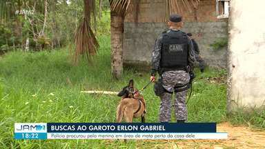 Após oito dias, polícia usa cão farejador em buscas de menino de 2 anos que sumiu do pátio - Após oito dias, polícia usa cão farejador em buscas de menino de 2 anos que sumiu do pátio de casa