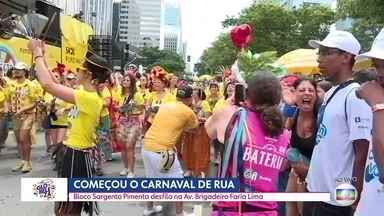 Começa carnaval de rua no Centro da capital - Preparativo para agitar multidão nas ruas começaram cedo neste sábado (15).