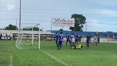 Tiaguinho sobe mais que todo mundo e faz o gol de empate do Altos - Tiaguinho sobe mais que todo mundo e faz o gol de empate do Altos