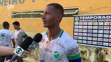 Leandro Amorim explica gol contra e revela chateação pelo resultado - Leandro Amorim explica gol contra e revela chateação pelo resultado