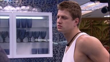 Lucas declara: 'Todo mundo combinou voto' - Lucas declara: 'Todo mundo combinou voto'