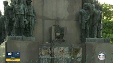 Estatua de 400 kg é roubada de monumento em homenagem ao Marechal Deodoro - Peça de bronze foi furtada durante a madrugada numa praça no bairro da Glória.