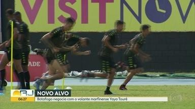 Botafogo negocia com o volante marfinense Yaya Touré, de 36 anos - Alvinegro também se prepara para o jogo de quarta-feira contra o Náutico, pela Copa do Brasil.