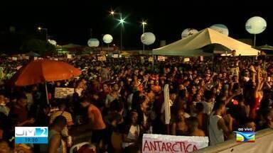 Confira o carnaval no Circuito Rio Bacanga neste sábado (22) - Ao vivo, a repórter Regina Souza deu mais informações.