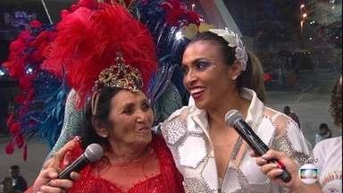 'Eu tô emocionada até agora', diz Marta após desfilar na Sapucaí - A jogadora foi homenageada pela escola Inocentes de Belford Roxo.