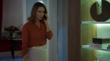 Dominique avisa que mandou Renzo atrás do membro do conselho - A mando da tia, Renzo ameaça um executivo no banheiro de um restaurante