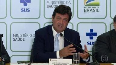 Ministério da Saúde confirma primeiro caso de coronavírus no Brasil - Homem de 61 anos, que mora em São Paulo, fez viagem para a Itália entre 9 e 21 de fevereiro. Dois testes deram positivo para infecção. Família está em observação. Ministro da Saúde falou sobre o caso.