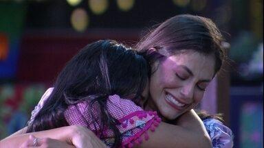 Flayslane chora e é confortada por Mari: 'Você ganhou uma amiga' - Flayslane chora e é confortada por Mari: 'Você ganhou uma amiga'