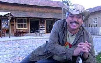 Jackson Antunes apresenta cidade de A Favorita - O ator, que viverá Leonardo, mostrou detalhes da cidade operária da novela.