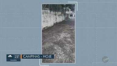 Calçada suja perto de escola em Campinas tem problema resolvido - A calçada estava com restos de poda de árvore desde o início do ano letivo. A prefeitura prometeu limpar no mesmo dia em que foi feita a cobrança pela a equipe da EPTV, mas o problema se estendeu. Nesta quinta (27), o local está limpo.