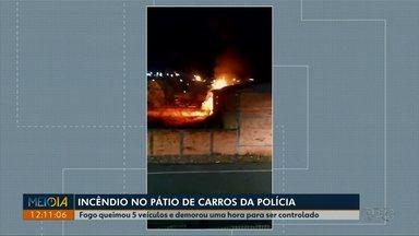 Fogo queima cinco veículos de pátio da Polícia Civil de Telêmaco Borba - Polícia Civil acredita que incêndio onde ficam veículos apreendidos tenha sido criminal.