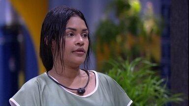 Flayslane sobre Gabi: 'Ela não considera a gente' - Flayslane sobre Gabi: 'Ela não considera a gente'