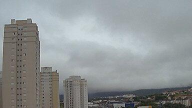 Previsão do Tempo: Alto Tietê terá sexta-feira nublada - Dia fica nublado sem aberturas de sol e pode garoar a noite.