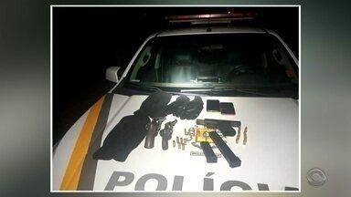 Cinco pessoas são presas em Ijuí durante patrulhamento da Brigada Militar - Ocorrência pode estar relacionada à disputa por pontos de tráfico de drogas.