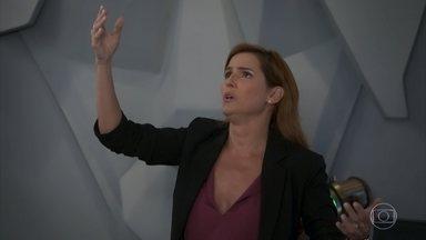 Alexia tenta ajudar Rafael a superar suas manias - undefined