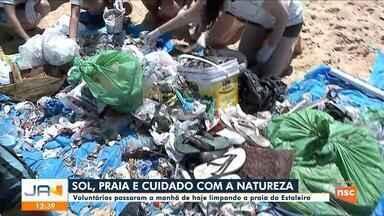 Voluntários promovem mutirão de limpeza em praia de Balneário Camboriú - Voluntários promovem mutirão de limpeza em praia de Balneário Camboriú