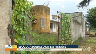 Alunos de escola estadual perdem aula por falta de infraestrutura em Pindaré-Mirim - O prédio onde o Centro de Ensino Raimunda Matos funcionava está sem condições de uso.