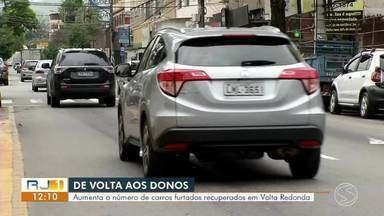 De volta aos donos: Aumenta o número de carros furtados recuperados em Volta Redonda - Mais de 60% dos veículos foram encontrados e devolvidos aos proprietários. Despachante explica o que fazer para recuperar o carro furtado.