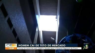 Homem cai de teto de mercado público em Juazeiro do Norte - Saiba mais no g1.com.br/ce