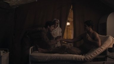 Alfredo de despede de Lúcio e avisa que precisa se juntar as tropas - Lúcio e Inês pedem que ele redobre o cuidado
