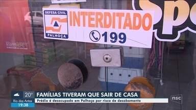 Prédio é evacuado e interditado em Palhoça por risco de colapso - Prédio é evacuado e interditado em Palhoça por risco de colapso